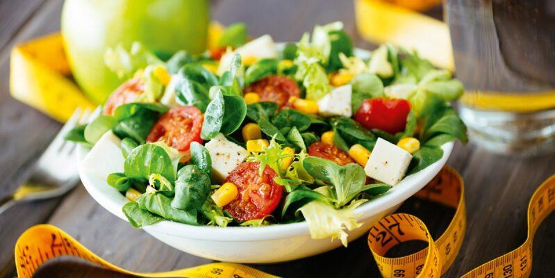 Ein gesunder Salat für eine bewusste und gesunde Ernährung